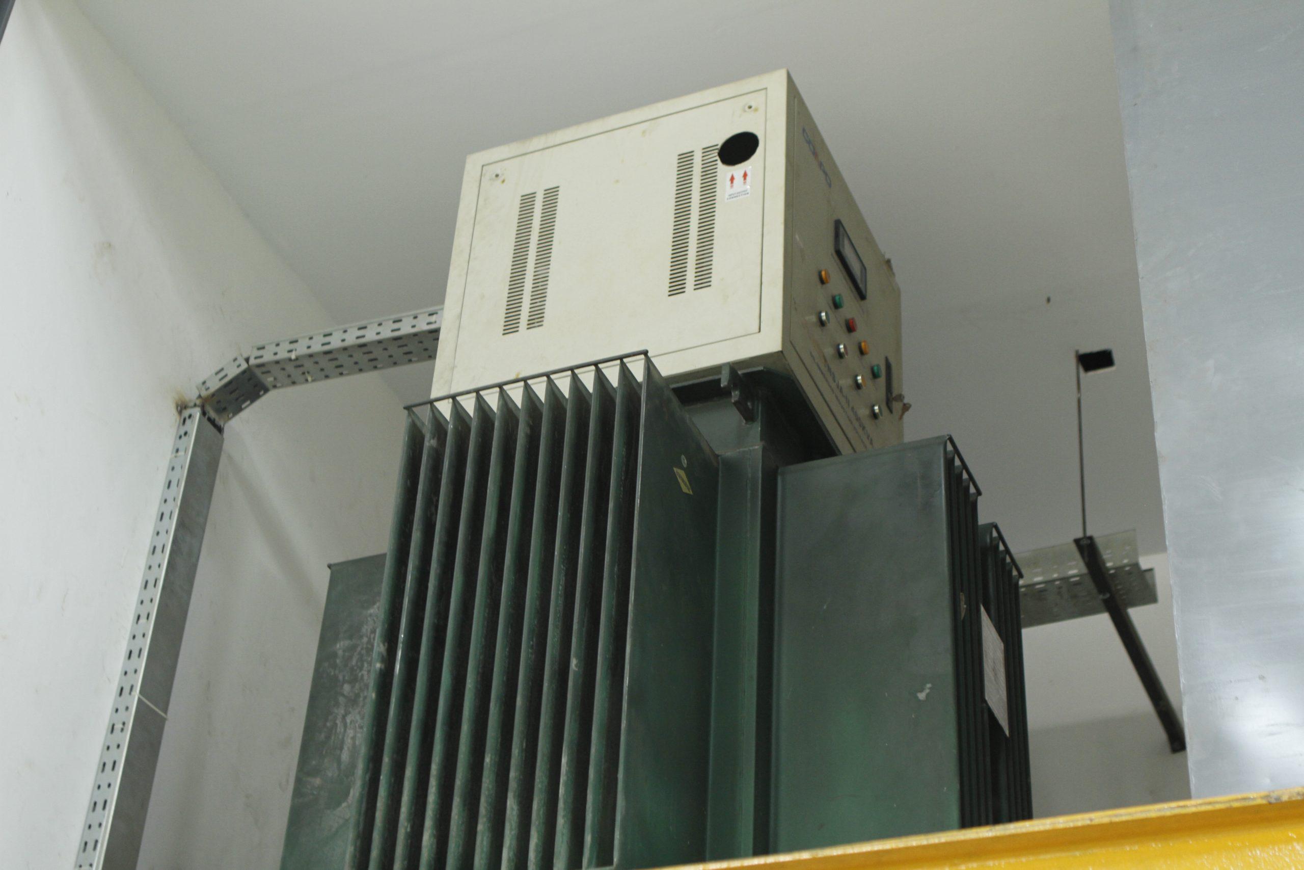 Regulated AC 0-760 Volt